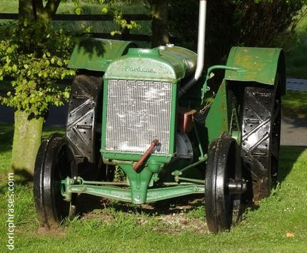 green-fordson-tractor.jpg